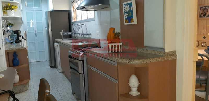WhatsApp Image 2019-04-10 at 1 - Maravilhosa cobetura duplex em Copacabana. - GACO40025 - 7