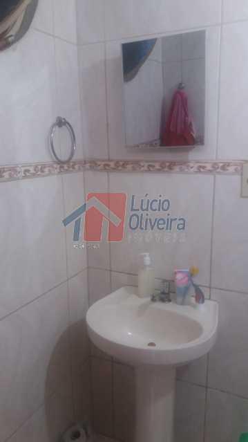 20-Banheiro da casa dos fundos - Casa À Venda - Irajá - Rio de Janeiro - RJ - VPCA50013 - 21