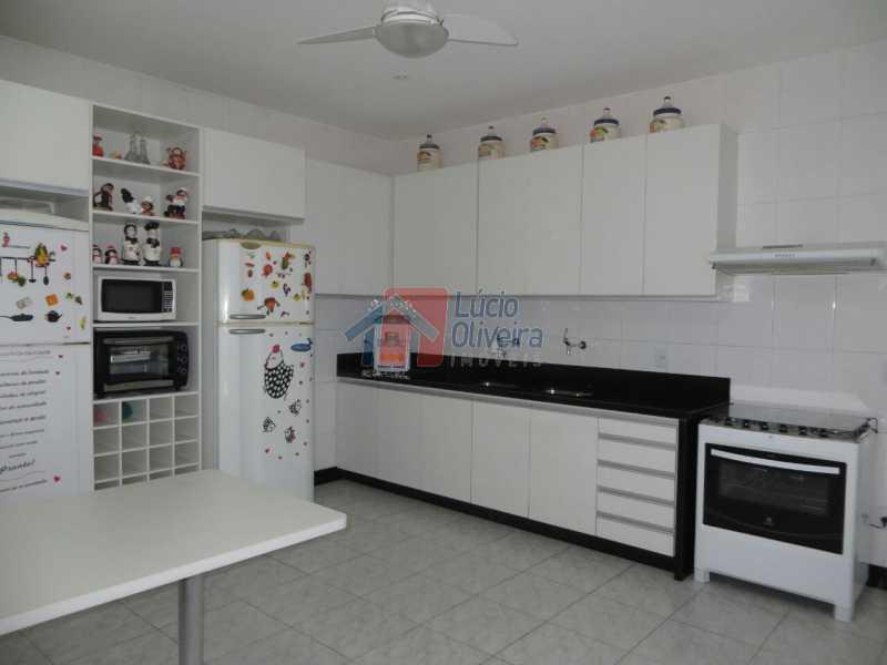 16-Cozinha. - Residência de Luxo em Condomínio fechado. - VPCA40039 - 21