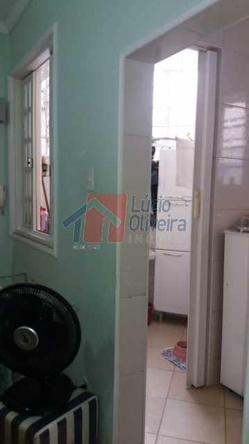 5-sala vista para área. - Apartamento à venda Avenida Meriti,Vila Kosmos, Rio de Janeiro - R$ 200.000 - VPAP21038 - 6