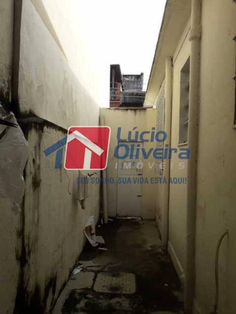 20-Lateral externa fundos - Casa de Vila À Venda - Olaria - Rio de Janeiro - RJ - VPCV20044 - 20