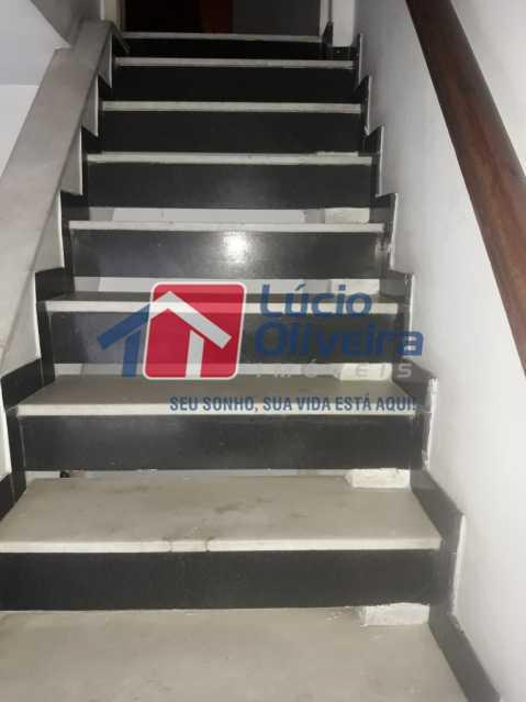 20-Escada - Casa Rua Antônio Storino,Vila da Penha,Rio de Janeiro,RJ À Venda,5 Quartos,171m² - VPCA50018 - 23
