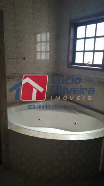 17 Banheiro. - Casa à venda Rua Paranapanema,Olaria, Rio de Janeiro - R$ 750.000 - VPCA60003 - 21