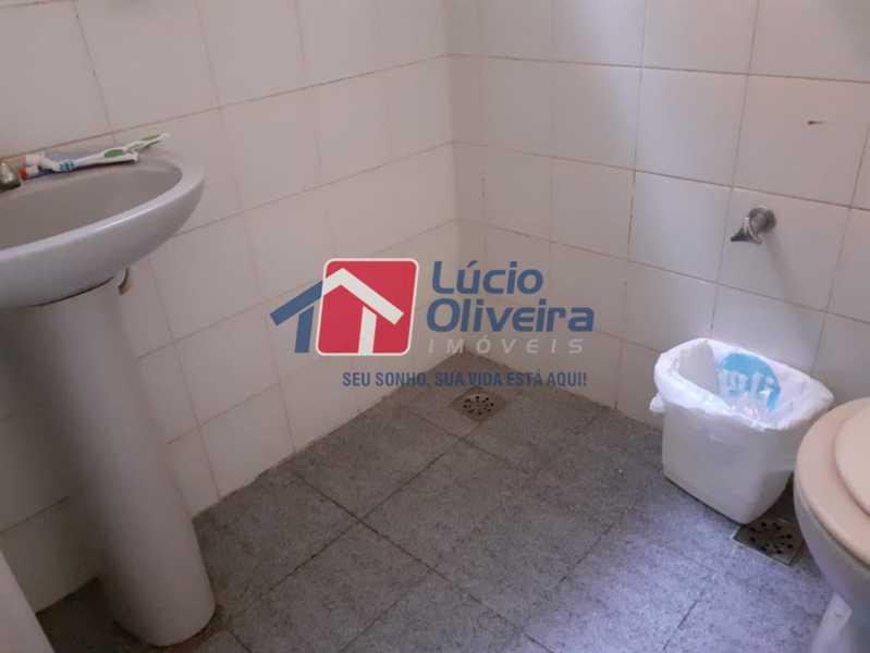15 BANHEIRO DOS FUNDOS. - Casa À Venda - Vista Alegre - Rio de Janeiro - RJ - VPCA30158 - 15