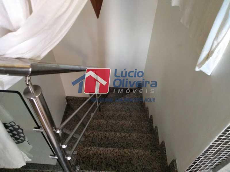 25- Escada - Casa 3 quartos à venda Penha Circular, Rio de Janeiro - R$ 445.000 - VPCA30160 - 26