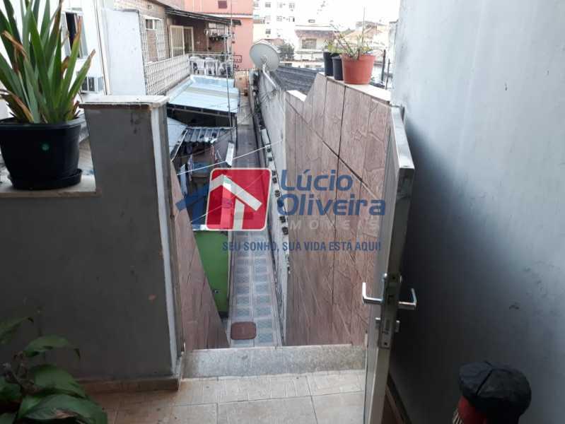 14- Escada de acesso. - Casa de Vila À Venda - Irajá - Rio de Janeiro - RJ - VPCV20046 - 15