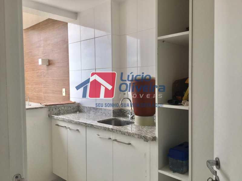 15 cozinha. - Apartamento Avenida Oliveira Belo,Vila da Penha,Rio de Janeiro,RJ À Venda,3 Quartos,173m² - VPAP30291 - 16