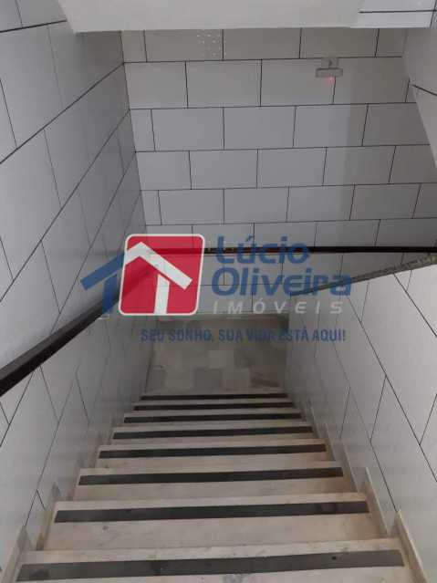 21 escada. - Apartamento Rocha Miranda, Rio de Janeiro, RJ À Venda, 2 Quartos, 85m² - VPAP21225 - 22