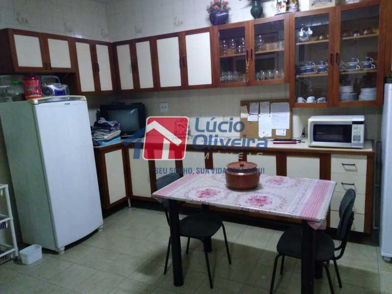 15- Cozinha - Casa Estrada da Água Grande,Vista Alegre, Rio de Janeiro, RJ À Venda, 5 Quartos, 190m² - VPCA50024 - 16