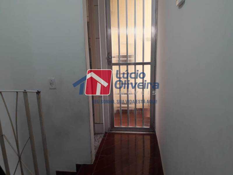 13-Circulação 2 piso - Casa de Vila à venda Rua Lima Drumond,Vaz Lobo, Rio de Janeiro - R$ 190.000 - VPCV30015 - 15