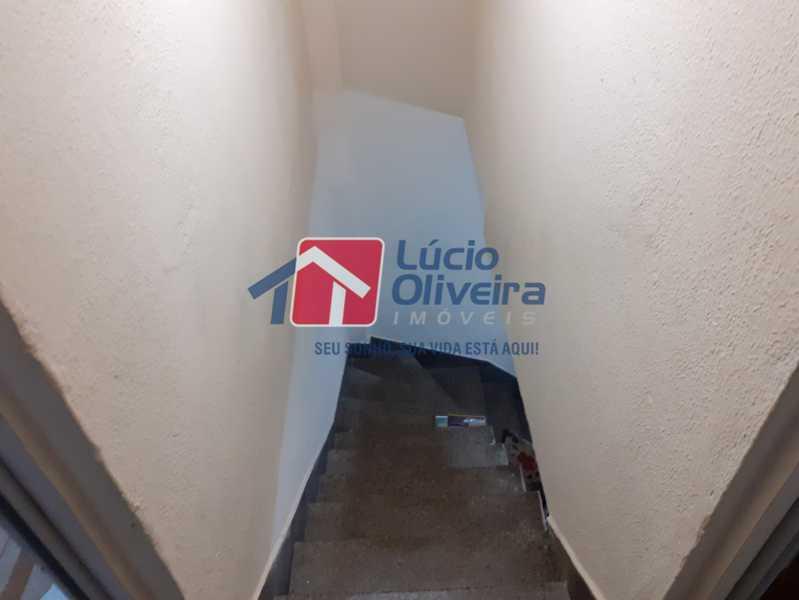 12- Escada - Apartamento à venda Rua Soldado Ivo de Oliveira,Vila Kosmos, Rio de Janeiro - R$ 150.000 - VPAP21287 - 13