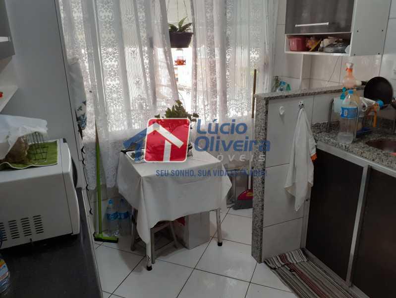 13- Cozinha - Apartamento à venda Rua Soldado Ivo de Oliveira,Vila Kosmos, Rio de Janeiro - R$ 150.000 - VPAP21287 - 14
