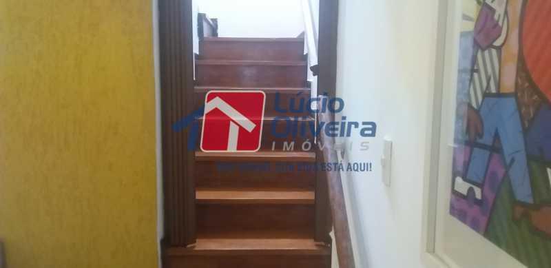 05 - Escada - Casa Rua Gilberto Goulart de Andrade,Vila da Penha, Rio de Janeiro, RJ À Venda, 3 Quartos, 194m² - VPCA30180 - 4