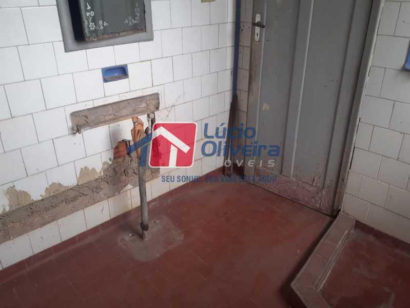 23 banheiro. - Casa Rua Guatemala,Penha, Rio de Janeiro, RJ À Venda, 3 Quartos, 207m² - VPCA30187 - 24
