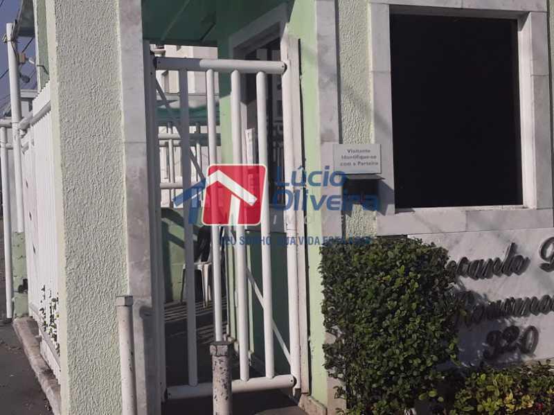 18- Entrada - Apartamento à venda Estrada João Paulo,Honório Gurgel, Rio de Janeiro - R$ 165.000 - VPAP21461 - 19