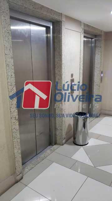 9- Elevadores - Sala Comercial 30m² à venda Avenida Embaixador Abelardo Bueno,Barra da Tijuca, Rio de Janeiro - R$ 180.000 - VPSL00026 - 10