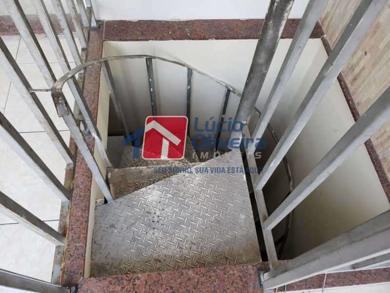 21- Escada Terraço - Casa em Condomínio à venda Rua Monte Pascoal,Cachambi, Rio de Janeiro - R$ 510.000 - VPCN30014 - 22