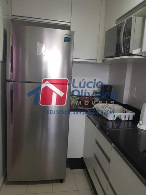Cozinha... - Cobertura à venda Rua Bernardo Taveira,Vila da Penha, Rio de Janeiro - R$ 769.000 - VPCO30035 - 24