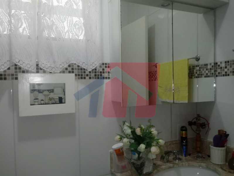 12 - Exelente oportunidade para quem busca imóvel em condominio fechado !!! Duas casas no mesmo terreno pelo preço de uma!! primeiro imovel composto de: varanda, sala, boa circulação, dois dormitorios, banheiro social, cozinha área de serviço separada e qui - VPAP21704 - 13