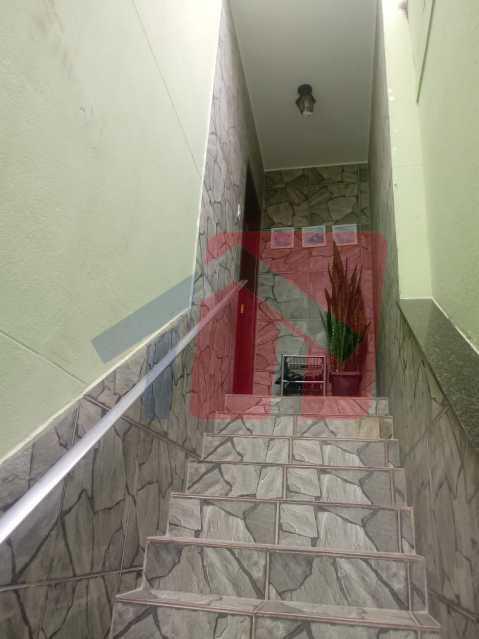 21 - Exelente oportunidade para quem busca imóvel em condominio fechado !!! Duas casas no mesmo terreno pelo preço de uma!! primeiro imovel composto de: varanda, sala, boa circulação, dois dormitorios, banheiro social, cozinha área de serviço separada e qui - VPAP21704 - 21