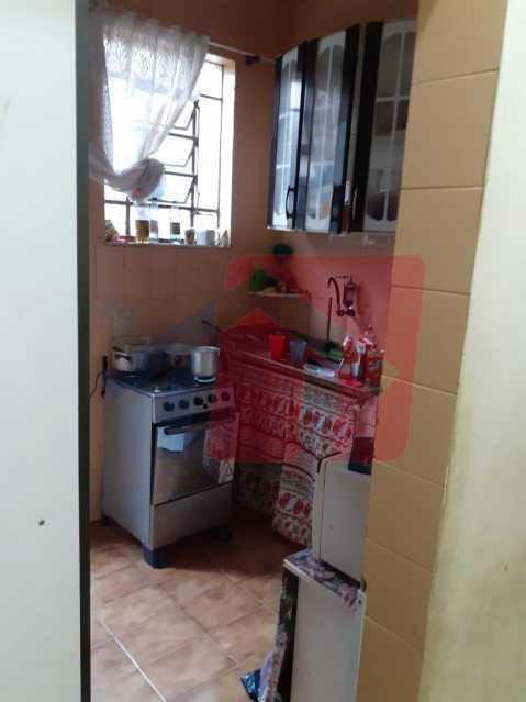 cozinha - Magnifica casa dos fundos compostas por dois quartos, sala ampla, banheiro social cozinha e aréa de serviço, quintal terraço por toda a extenção da casa proximo ao comercio e trasportes somente a vista . - VPCA20321 - 7
