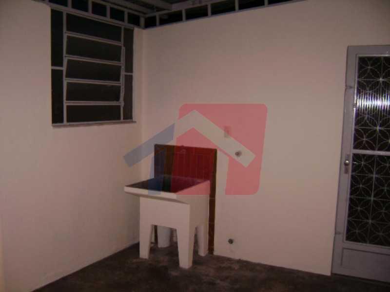 area de serviço - Apartamento como esse você não vai achar, 2 quartos, sala ampla , banheiro Moderno, areá de serviço, varanda com canil, com grama sintetica, entrada independente do predio, apartamento terréo. - VPAP21711 - 3