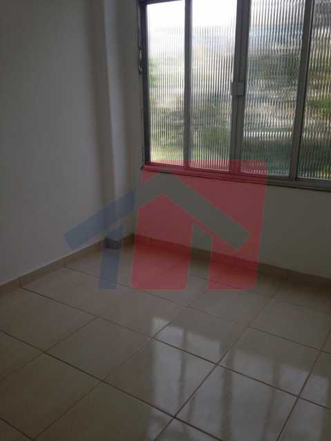 quarto 2 - Apartamento como esse você não vai achar, 2 quartos, sala ampla , banheiro Moderno, areá de serviço, varanda com canil, com grama sintetica, entrada independente do predio, apartamento terréo. - VPAP21711 - 10