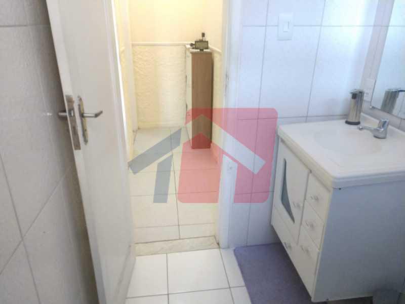 Banheiro - Ótimo apartamento em madureira de fundos e um local extremamente calmo, sem barulho composto de sala, corredos dos quartos, cozinha, banheiro social, área de serviço - VPAP21713 - 10