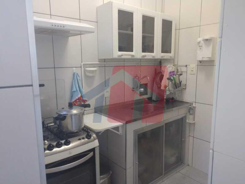 Cozinha - Ótimo apartamento em madureira de fundos e um local extremamente calmo, sem barulho composto de sala, corredos dos quartos, cozinha, banheiro social, área de serviço - VPAP21713 - 15