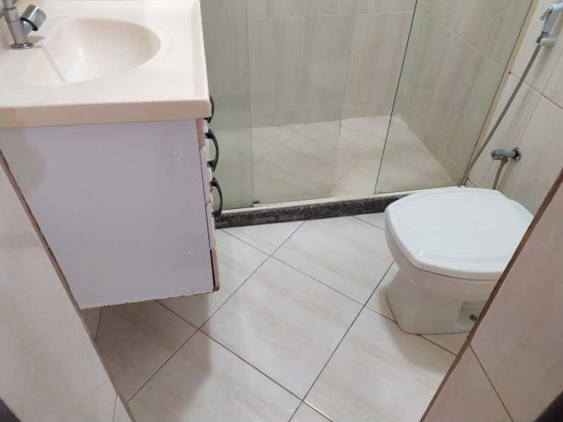 Banheiro social. - Apartamento 2 quartos para alugar Vaz Lobo, Rio de Janeiro - R$ 850 - VPAP21717 - 9