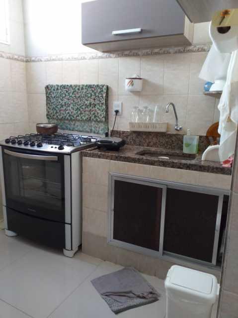 16 - Cozinha - Casa Linear em exelente estado de conservação, compposto de sala ambientes, com piso em porcelanato , 3 dormitorios , sendo uma suite, suite toda azulejada, banheiro social, área, estrutura para construção de terraço. - VPCA30232 - 17