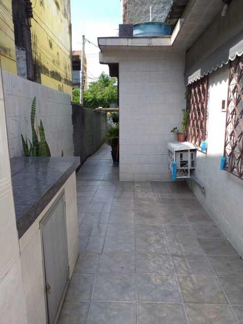 22 - Casa Linear em exelente estado de conservação, compposto de sala ambientes, com piso em porcelanato , 3 dormitorios , sendo uma suite, suite toda azulejada, banheiro social, área, estrutura para construção de terraço. - VPCA30232 - 23