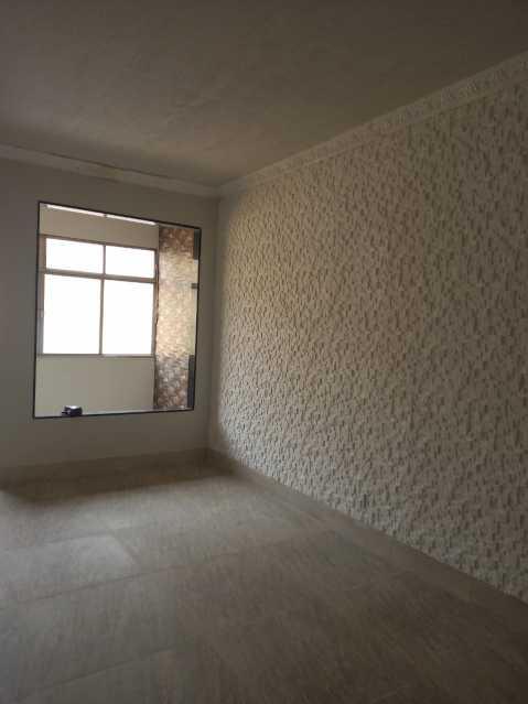 07 - Maravilhoso apartamento com planta generosa, ampla e bem arejado, recém reformado composto de ampla salas com dois bons dormitorios, sendo um com acesso a varanda cozinha e banheiro social coma cabamento em granito preto e porcelana to em todo o imóvel, - VPAP21721 - 8
