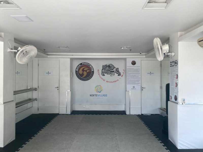 Sala de luta - Exelente apartamento em Del Castilho em condominio fechado, alto sol da manha, com sala dois ambientes e varanda, dois quartos com um armario planejado, banheiro completo social, cozinha com armario olanejado, área de serviço e vaga na escritura, condomin - VPAP21728 - 15