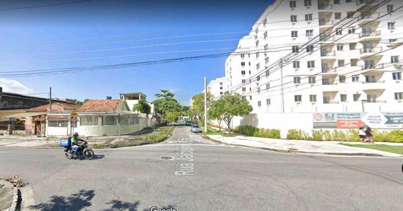12 -Rua - Venha morar na melhor região do bairro,proximo ao mercado e a praça do IAPI, trêm, condução para a zona sul, casa linear composta de: sala ampla em dois andares, banheiro social, 3 quartos, cozinha, área de serviço, varanda, quintal com 3 vagas de garage - VPCA30233 - 13