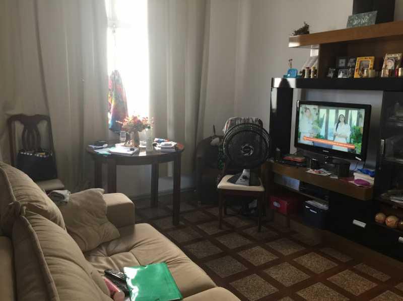 07- Sala - Exelente apartamento em predio unico com espaço para festa. Composto de Sala ampla, dois quartos, banheiro social com blindex, cozinha com área de serviço separada, ímovel todo em piso de cerâmica. - VPAP21730 - 8