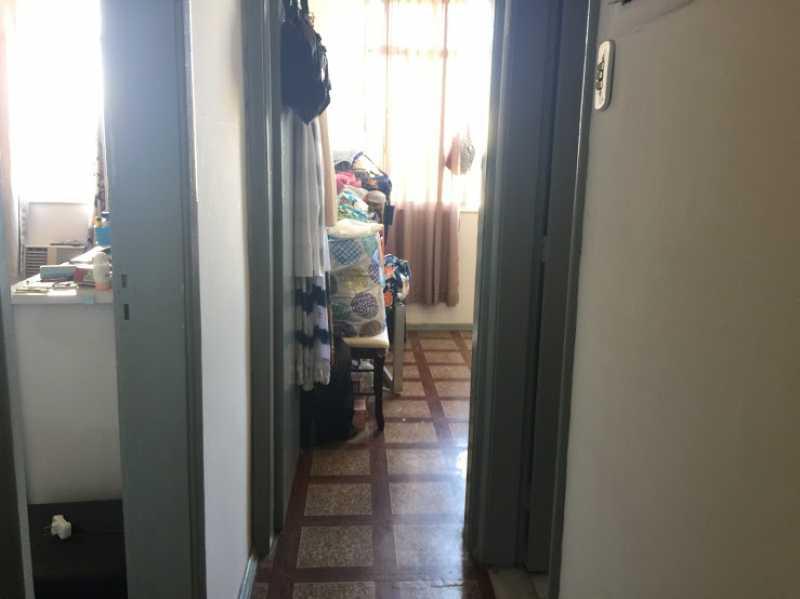 08- Ciruclação - Exelente apartamento em predio unico com espaço para festa. Composto de Sala ampla, dois quartos, banheiro social com blindex, cozinha com área de serviço separada, ímovel todo em piso de cerâmica. - VPAP21730 - 9