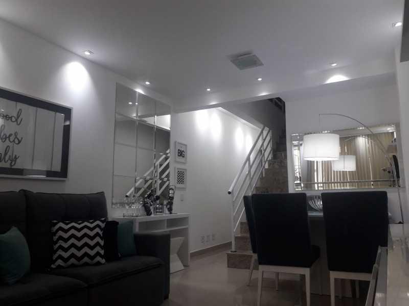 1-sala - Otima casa triplex muito bem localizada, sala, 03 quartos, sendo um suite , 02 banheiros com vidro temperado, cozinha, área externa, terraço todos os andares com interfone para abrir a porta. - VPCA30234 - 1