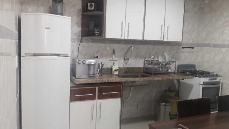8-cozinha - Otima casa triplex muito bem localizada, sala, 03 quartos, sendo um suite , 02 banheiros com vidro temperado, cozinha, área externa, terraço todos os andares com interfone para abrir a porta. - VPCA30234 - 10