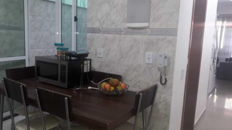 9-cozinha - Otima casa triplex muito bem localizada, sala, 03 quartos, sendo um suite , 02 banheiros com vidro temperado, cozinha, área externa, terraço todos os andares com interfone para abrir a porta. - VPCA30234 - 11