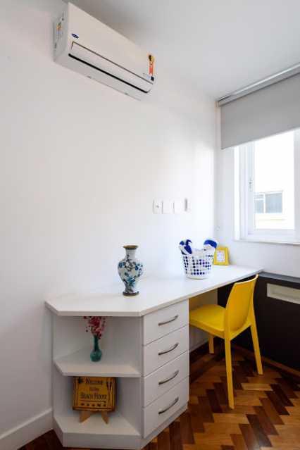 09- quaro s. - Espetacular apartamento super arejado recém reformado, mobilhado, proximoa um farto comércio, metro e condução, composto de sala ampla em dois ambientes, dois quartos, banheiro social cozinha americana. imperdivel , imovel todo em taco, janelas enti ruid - VPAP21734 - 13