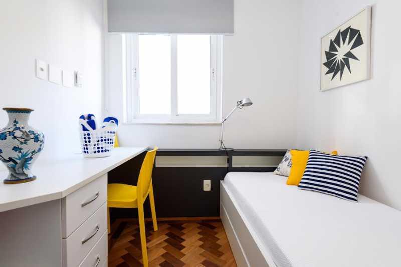 17- quarto s - Espetacular apartamento super arejado recém reformado, mobilhado, proximoa um farto comércio, metro e condução, composto de sala ampla em dois ambientes, dois quartos, banheiro social cozinha americana. imperdivel , imovel todo em taco, janelas enti ruid - VPAP21734 - 15