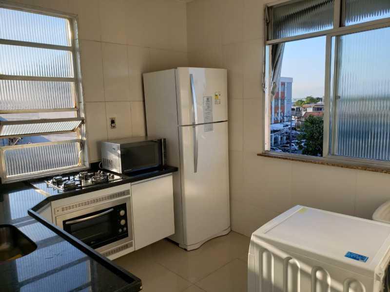 10 - Lindo apartamento, entrar e morar, colado ao lado da avenida Lobo junior, composto por uma sala ampla e confortavel, também com um ótimo dormitorio com armário, banheiro com box blindex e banheira, cozinha azulejada com armario cooktop e forno embutido, t - VPAP10198 - 11
