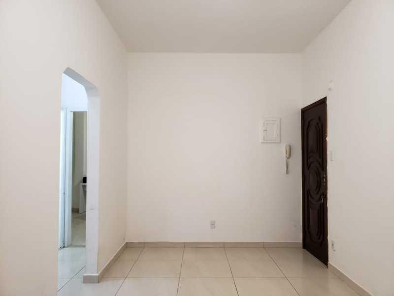 05 - Lindo apartamento, entrar e morar, colado ao lado da avenida Lobo junior, composto por uma sala ampla e confortavel, também com um ótimo dormitorio com armário, banheiro com box blindex e banheira, cozinha azulejada com armario cooktop e forno embutido, t - VPAP10198 - 6