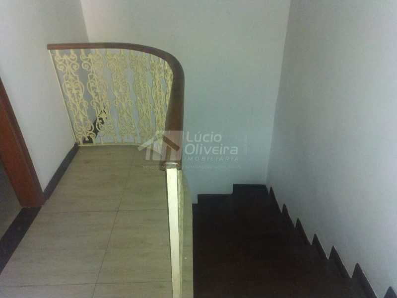 Escadas para quartos - Casa para alugar Rua Aiera,Vila Kosmos, Rio de Janeiro - R$ 2.750 - VPCA20359 - 7