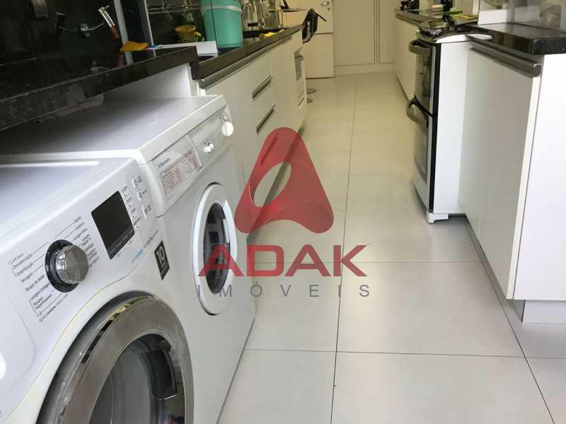 25 - Apartamento À Venda - Laranjeiras - Rio de Janeiro - RJ - LAAP40118 - 26