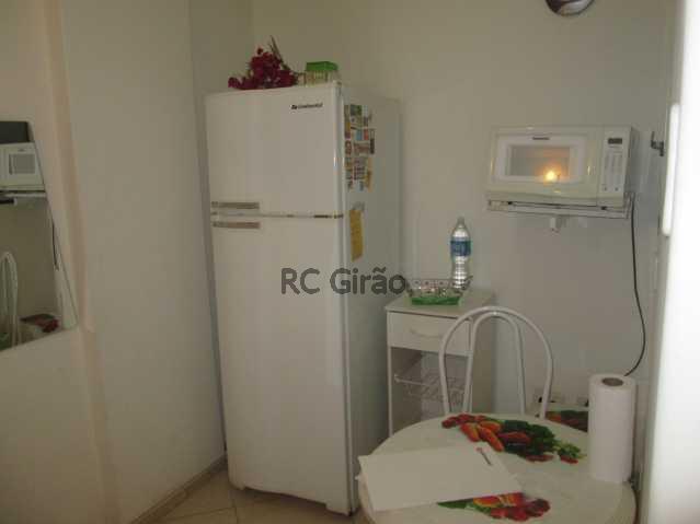 12 - Apartamento à venda Rua Figueiredo Magalhães,Copacabana, Rio de Janeiro - R$ 550.000 - GIAP10150 - 16