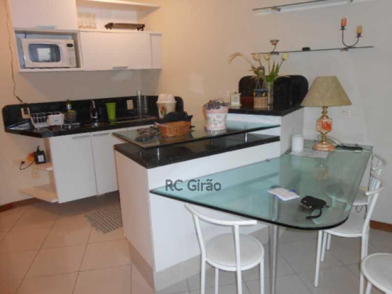 15 - Flat Para Venda e Aluguel - Barra da Tijuca - Rio de Janeiro - RJ - GIFL10024 - 16