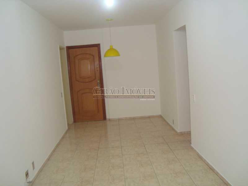 2 - Localização cobiçada. Prédio com infraestrutura e apartamento Vazio. Salão,2 Qtos,Dependência e Vaga - GIAP20635 - 4