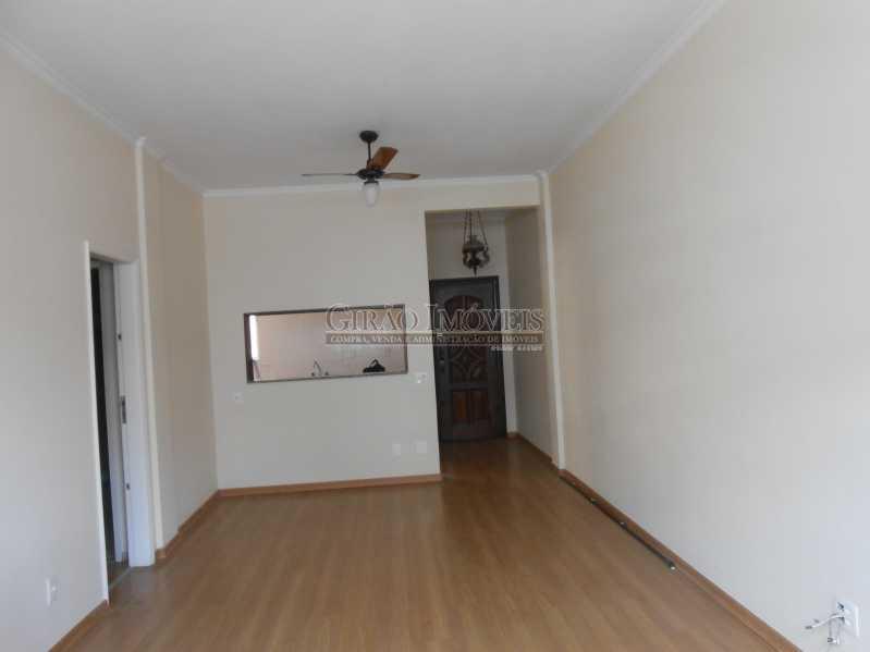 1 - Excelente apartamento 04 quartos (transformado em 3), frente, sol da manhã, andar alto, ótima localização, 02 por andar, composto por 01 hakk de entrada, salão em 02 ambientes, mais uma sala(quarto revertido), 03 quartos, todos com armários sendo 01 suít - GIAP30810 - 1
